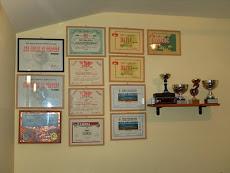 Los certificados, copas, plaquetas  y diplomas de 4Z5FI