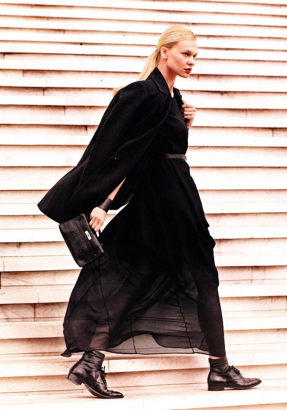 http://3.bp.blogspot.com/_RrfoUxX-jD4/TPE38lkhVzI/AAAAAAAADeA/88yjaRtzwwA/s1600/glamourfrance0012.jpg