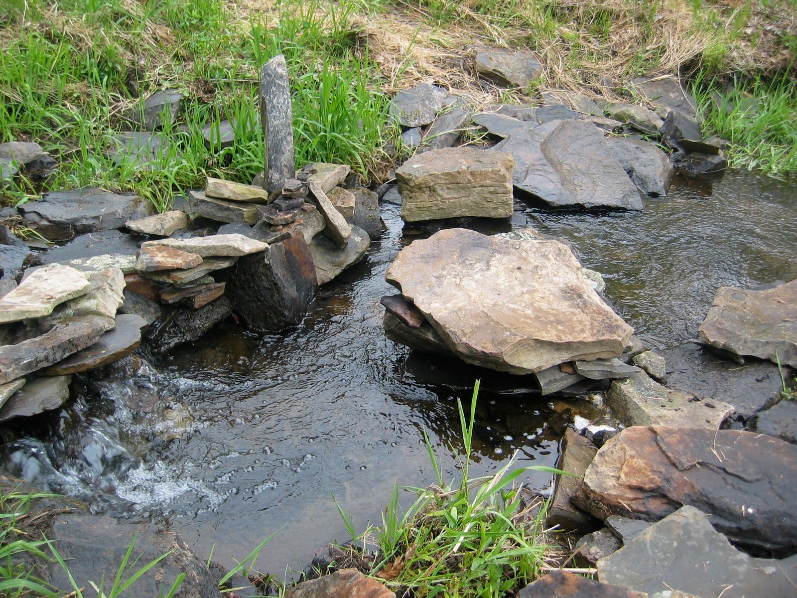 b-Home Studio: Rebekah Hren's stream/rock/waterfall design