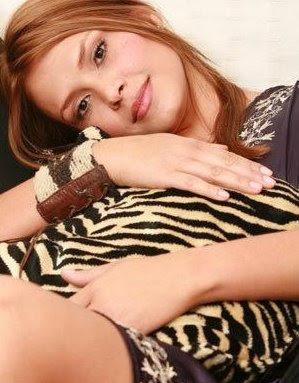 Bella Mujer Con Una Envidiable Figura Katherine Porto Sin Maquillaje