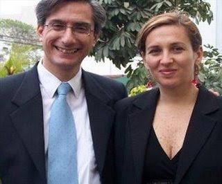 Federico Salazar feliz junto a Katia Condos