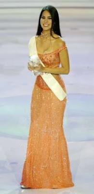 Claudia Hernández en concurso de belleza