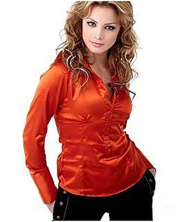 Silvia Navarro posando a su estilo