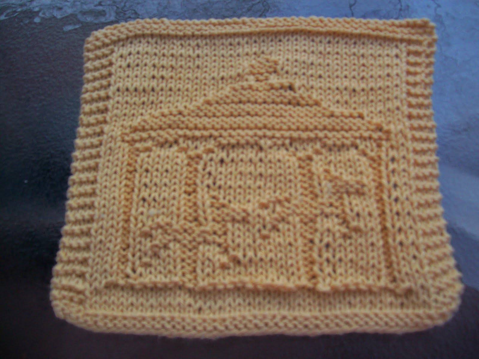 Knit Dishcloth Pattern Horse : DigKnitty Designs: Carousel Knit Dishcloth Pattern