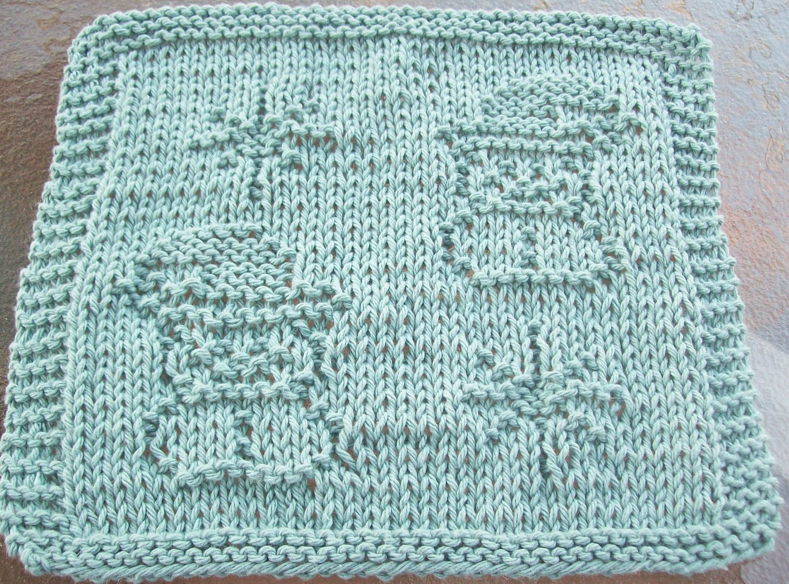 Knitted Snowflake Patterns : DigKnitty Designs: Snowmen and Snowflakes Knit Dishcloth Pattern