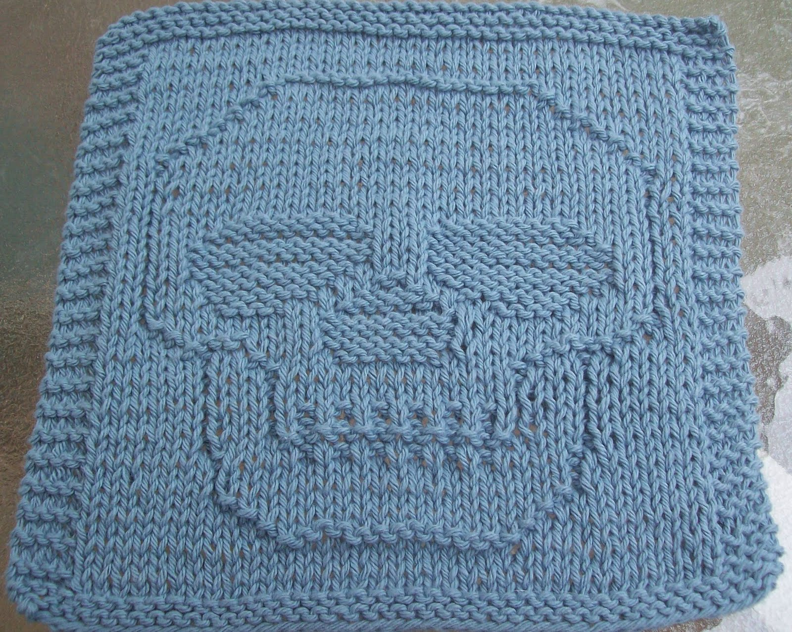 Knitted Dishcloth Patterns : DigKnitty Designs: Just a Skull Knit Dishcloth Pattern