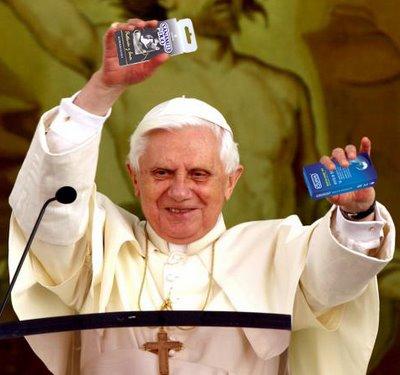 El Papa admite por primera vez el condón en ciertos