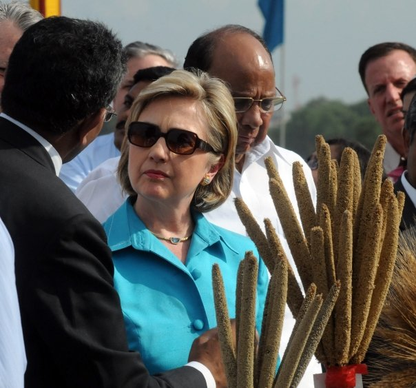 Hillary looking to cool in sunglasses