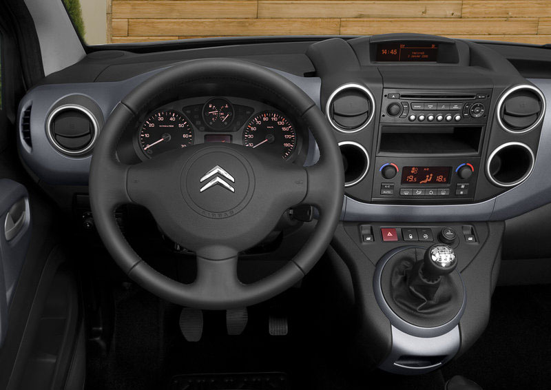 [Image: Citroen-Berlingo_Multispace_2009_800x600...per_14.jpg]