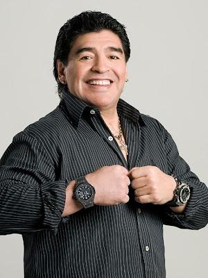 Porter sa montre comme Maradona, une Hublot Big Bang à chaque poignet