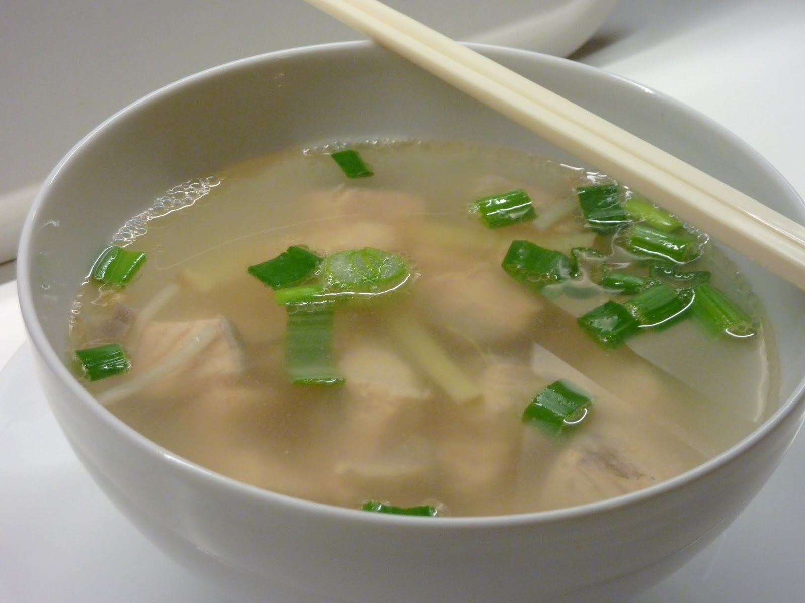 Family fecs quick easy chinese fish soup with ginger for Fish broth soup