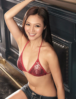 Japan Girl Grace Huang Sexy In Bikini Pictures