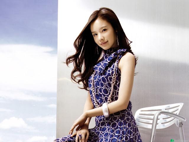[Kim_Ah_Joong_wallpaper_2.jpg]