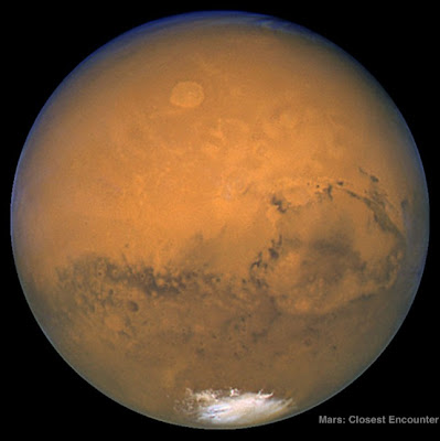 Mars is seen from Hubble Telescope