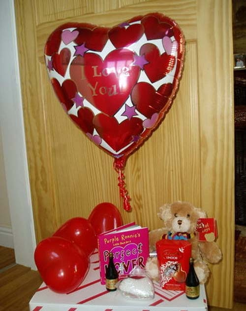 Romantic valentine day for your home decoration future for Cupid decorations home