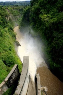 General view of hydroelectric dam Cachi in Ujarras de Cartago, 60 miles of San Jose, Costa Rica, May 25, 2007.