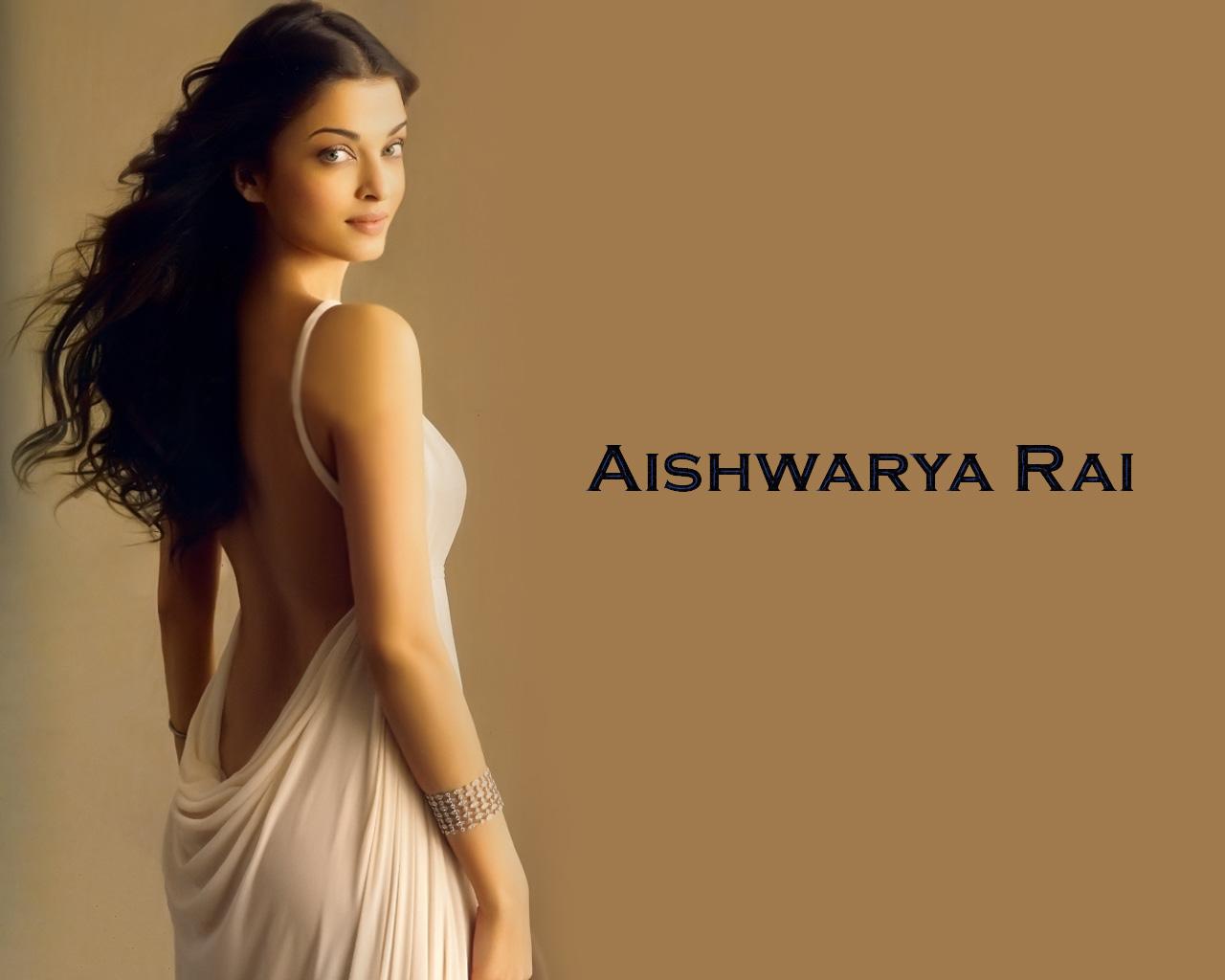 Aish Wallpaper  Celebrities Fashion News Beauty Costume