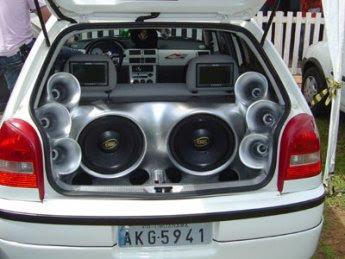 http://3.bp.blogspot.com/_S0IGFy2oPvw/SxTrFmYCk7I/AAAAAAAAAEQ/NX-ZGju6nC4/s400/Carros_tunados_som_3.jpg