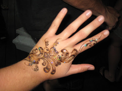 You Got The Love Here is an example of the henna tattoo artist's work.