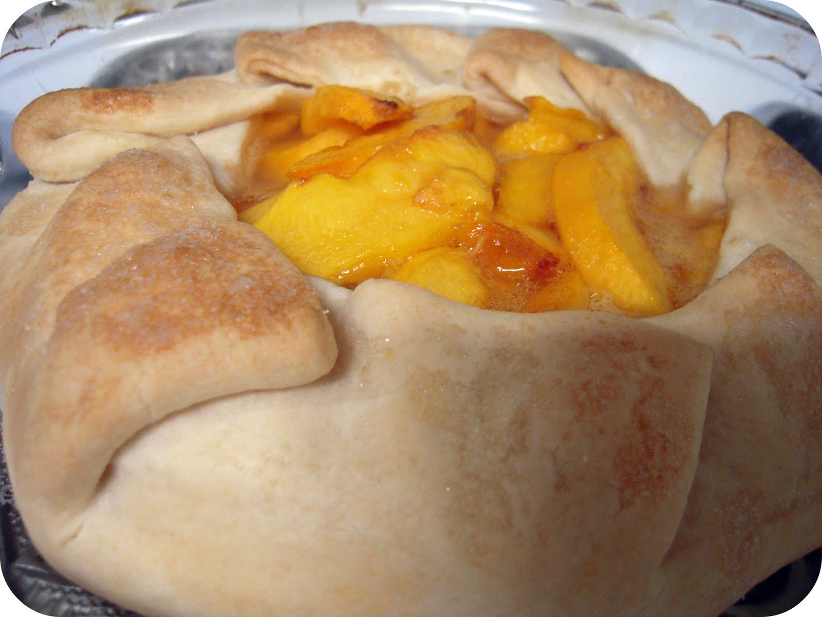 the eclectic owl: Recipe: Peach Galette