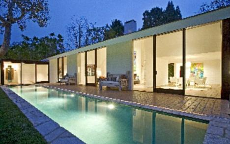 photo: house/residence of hot beautiful sexy  1 million earning Malibu, Los Angeles, CA, United States-resident
