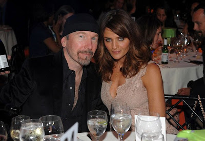 The Edge con la modelo Helena Christensen