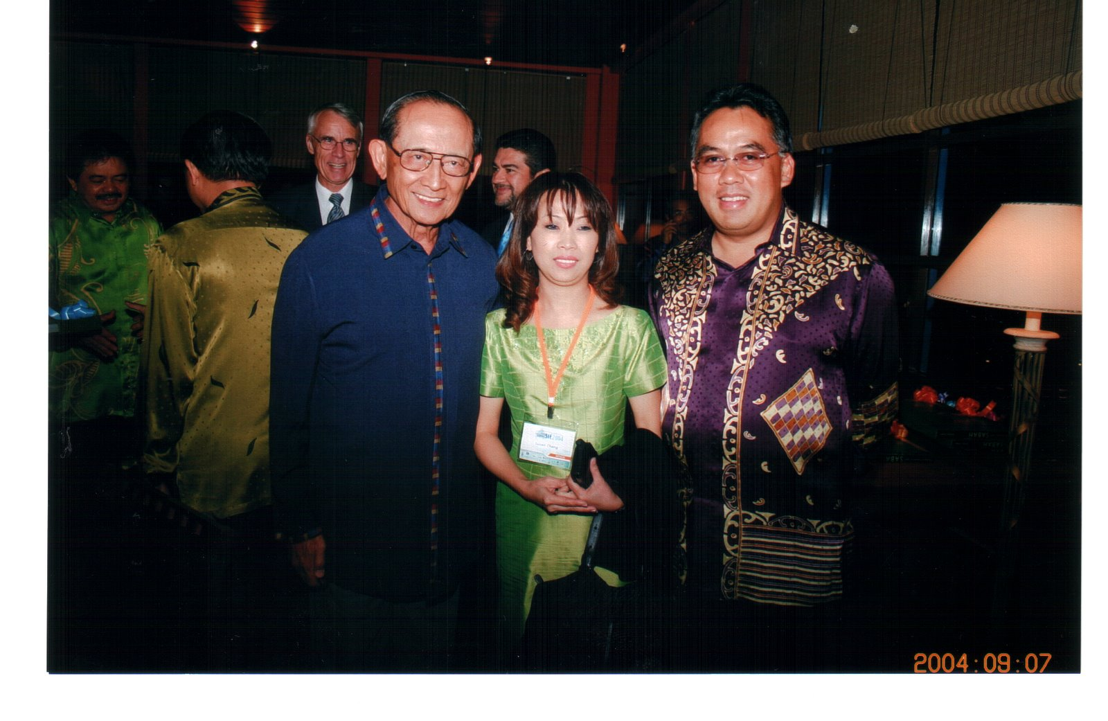 [me+and+HE+Fidel+Ramos.BMP]