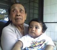 Kenangan Terakhir Amih Nunung bersama cicitnya