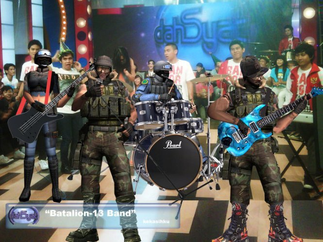 "Band Point Blank ""Batalion-13 Band"" saat tampil di acara Dahsyat ..."