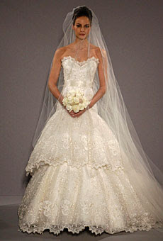 wedding dress 2010
