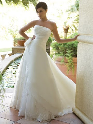 wedding dresses strapless short