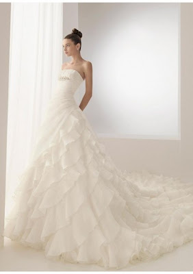 straples wedding dress