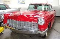Belo Lincoln Continental, fabricado em 1960.
