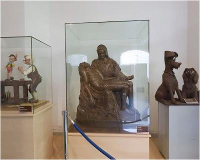 Chocolate sculptures at the Museu Xocolata - Barcelona Sights Blog