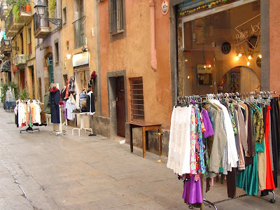 Second Hand clothing Shops on Riera Baixa - Baercelona sights Blog