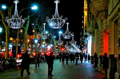 Paseig de Gracia Christmas Lights - Image from La Vanguardia
