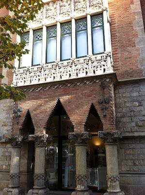Facade of Casa de los Pinxos - Barcelona Sights Blog