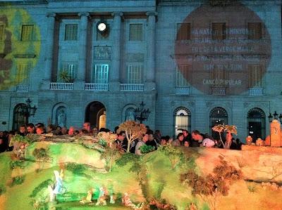 Nativity Scene at the Town Hall - Barcelona Sights