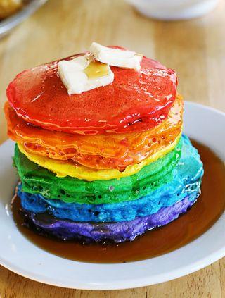3.bp.blogspot.com/_SCChuh73zyE/TNt-37IyHgI/AAAAAAAAAKk/SxicUHHKPAw/s1600/rainbow%2Bpancakes.jpg