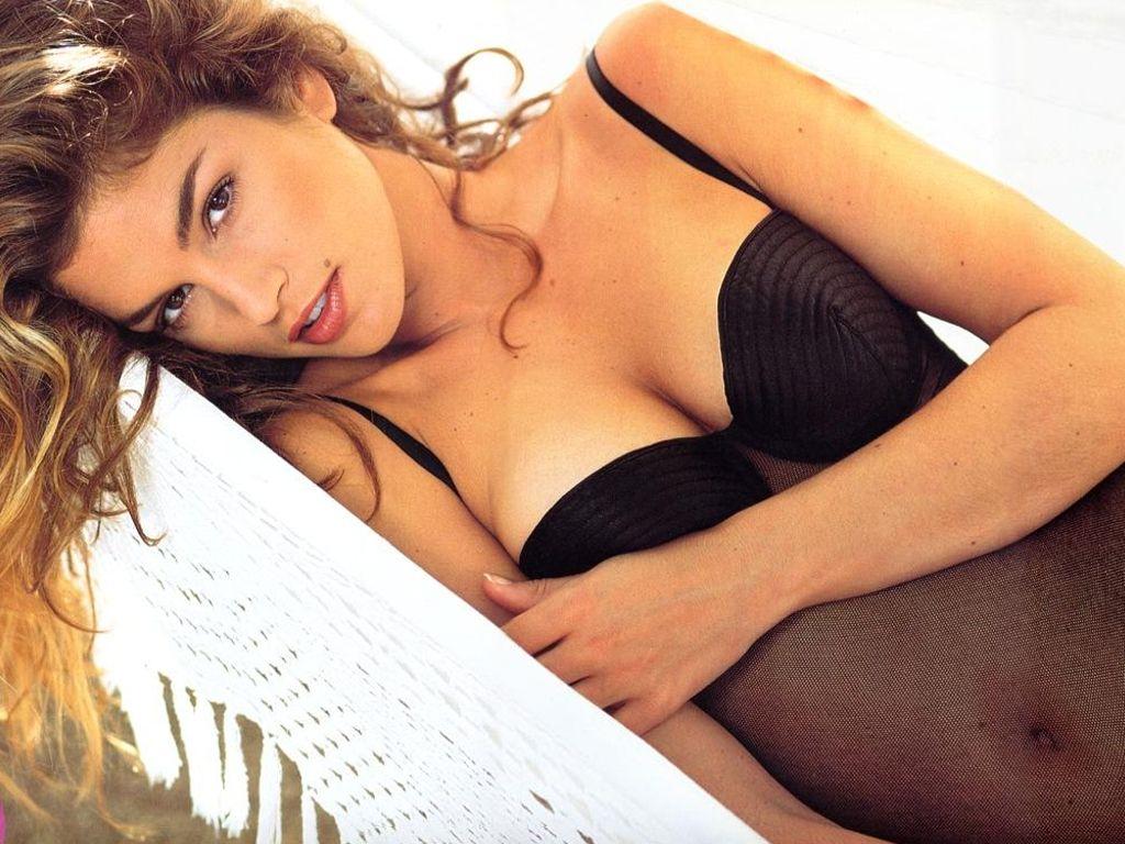 http://3.bp.blogspot.com/_SEHwRxTbjZ0/TU0uxjf1gnI/AAAAAAAADzg/uUNZH9tDXqE/s1600/Cindy+Crawford+%252828%2529.JPG