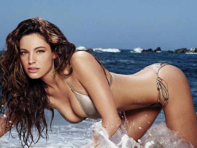 Hot Kelly Brook