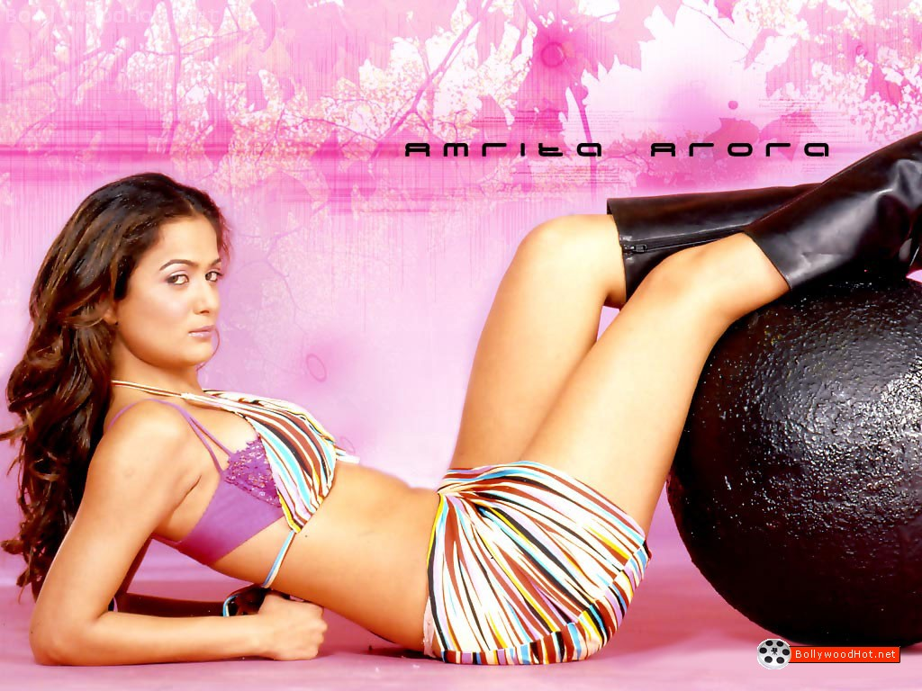 [amrita-arora-bollywood-hot-girl-actress.jpg]