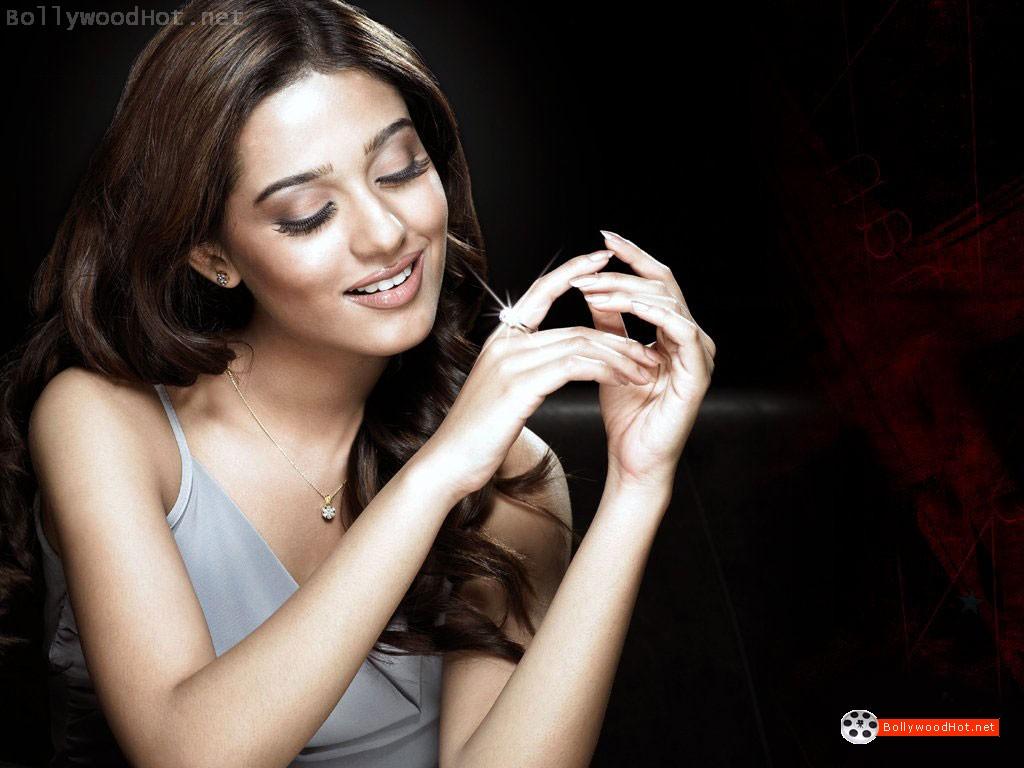 [amrita-rao-sexy-bollywood-girl-hot-actress6.jpg]