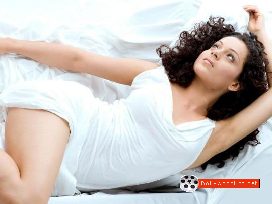 [sexy-girl-kangna-ranaut-bollywood-hot-actress4.jpg]