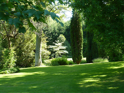 balades dans de beaux jardins jardin en r gion parisienne. Black Bedroom Furniture Sets. Home Design Ideas