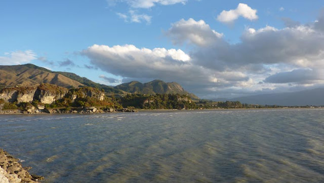 Golden bay es la suma de la naturaleza, el sol y el mar