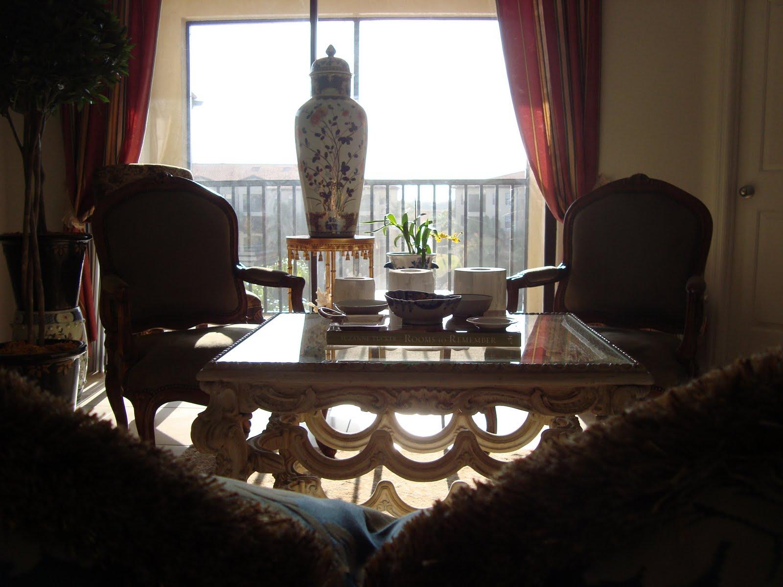 Dean Farris Style Living Room Portraits .