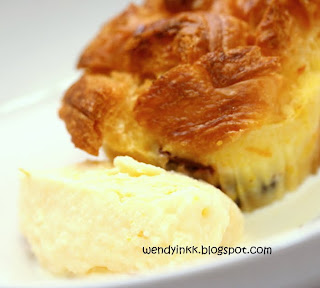 Serve the warm bread puddings with yummy orange ice cream made from ...