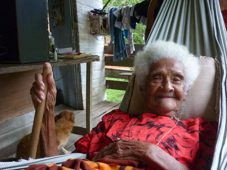 19/02/2010 - Tia Pixica - 101 anos - Comunidade Curicaca (Itaubal/AP)