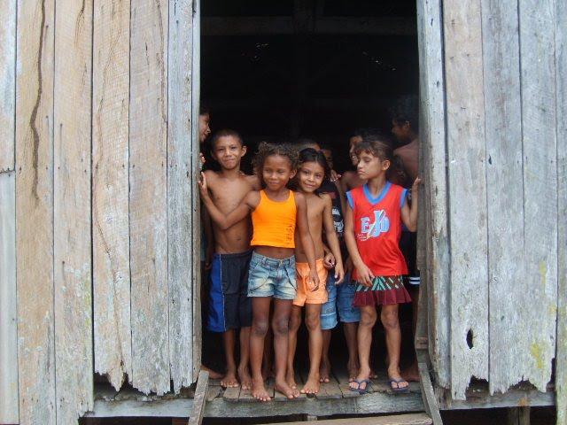 Crianças amazônidas de comunidades tradicionais: direitos fundamentais excluídos